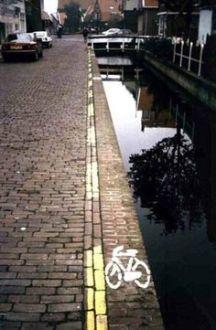 bike lane cannal